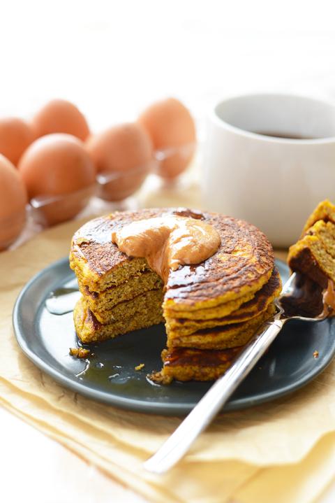 paleo-pumpkin-pancakes.png
