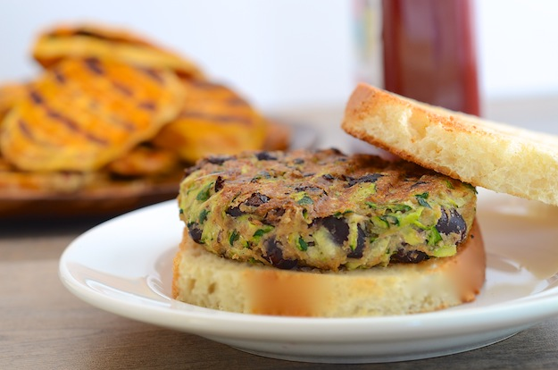 Vegan-Zucchini-and-Black-Bean-Veggie-Burgers-2-1.jpg