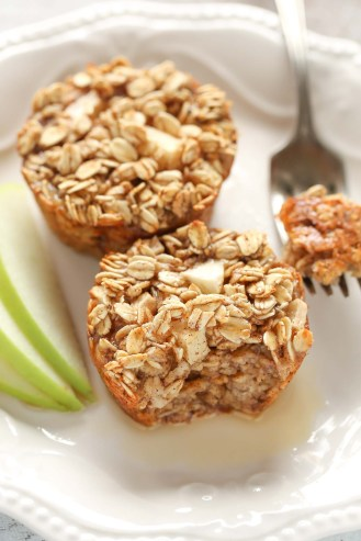 Apple-Cinnamon-Baked-Oatmeal-Cups-2