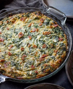 crustless-spinach-quiche-bacon-10-600x900