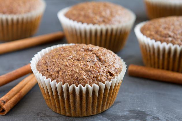 Flaxseed-Cinnamon-Bun-Muffins-5875.jpg